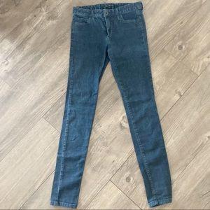 Theory skinny jeans size 2 dark wash